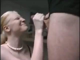allemaal geile tiener hoeren die aan ruwe penissen aftrekken totdat ze spuiten