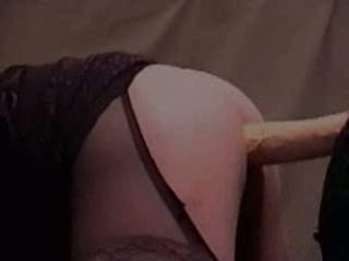 Geile anaal slet berijd muur dildo