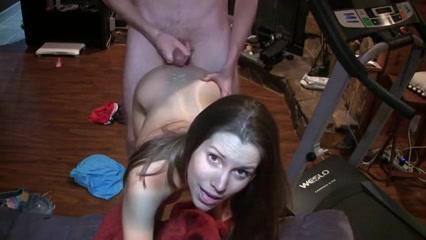hitsig jong stel maakt zelf een amateur sex clip