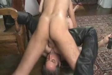 Een trio seks met 2 kerels