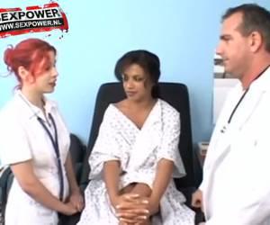 Alexis Silver op de dokterstoel