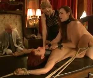 Een herenclub vol lust slavinnen