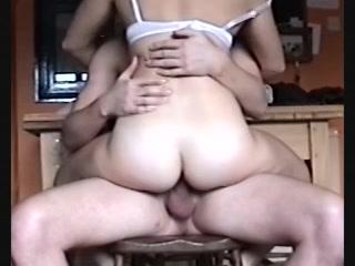 geniepig filmt hij hoe hij haar penetreert en op haar klaar komt